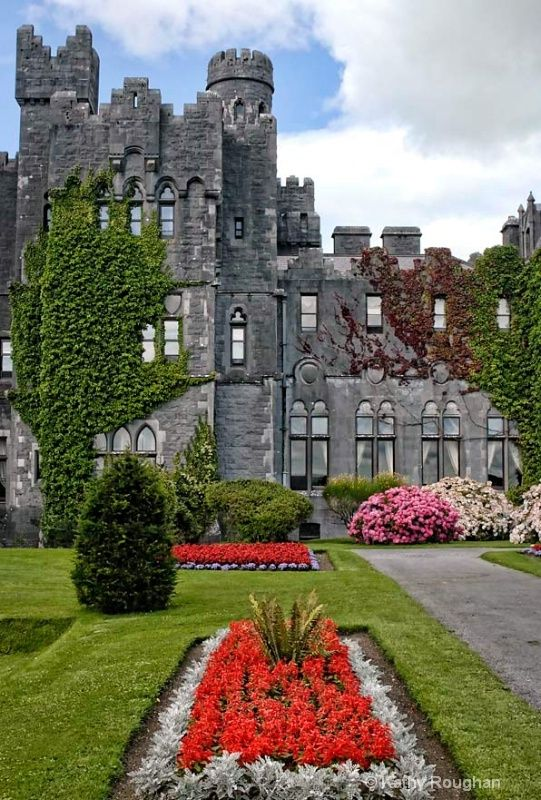 Arquitetura,Castelos,Irlanda,Ashford Castle in Mayo, Ireland,Built in 1228,Blog do Mesquita,01