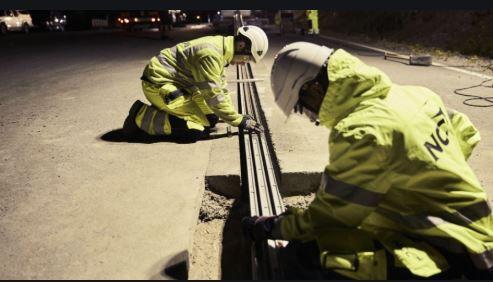 Inglaterra vai testar estradas que recarregam carros elétricos