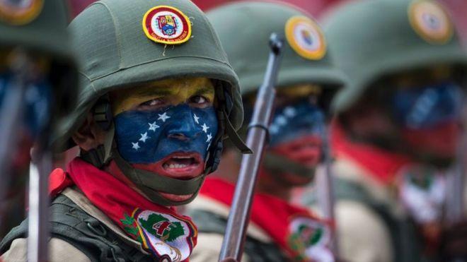 Crise na Venezuela: Qual é o tamanho real do poderio militar do país?