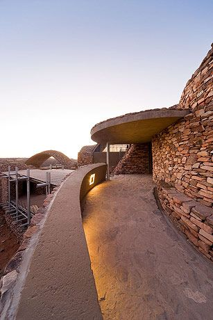 Mapungubwe Interpretation Centre,Peter Rich Architects, Mapungubwe National Park, South Africa,Blog do Mesquita